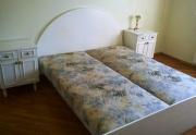 Parduodu baltą, naudotą miegamojo baldų komplektą (galima ir dalimis)