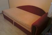 geros būklės sofa lova su daiktų dėže