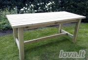 Medinis lauko stalas